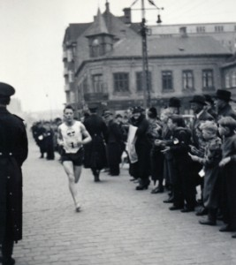 Erik Simonsen vinder Nørresundby Byløb 1937.