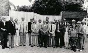 Frank Pedersen i mørk jakke til venstre lidt i baggrunden med Münchenholdet 1992.
